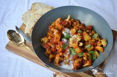 Veganes Blumenkohl-Kartoffel-Curry mit Kichererbsen