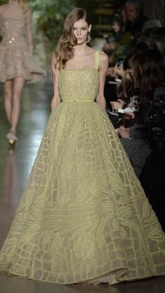 Elie Saab Haute Couture Spring/Summer 2015 via @AOL_Lifestyle Read more: http://www.aol.com/article/2015/02/02/the-most-beautiful-gowns-from-paris-haute-couture-week/21136040/?a_dgi=aolshare_pinterest#fullscreen