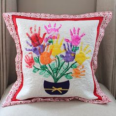 18 Keepsakes Made with Family Handprint Ideas | Sewing | Pinterest ...