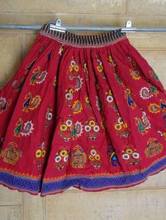 TRIBAL EMBROIDERED HMONG GUJRATI RAJASTHAN MIRROR WORK SKIRT RABARI KUTCH  1 #jaisalmerhandloom #Pleated