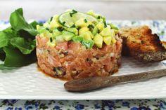 Tartar de Salmão com salsa de Abacate