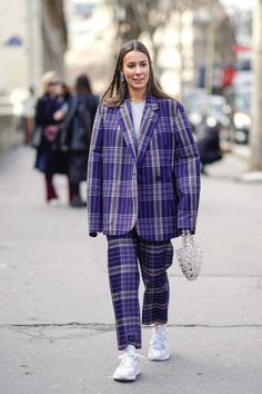 business mode damen Business casual: what does it mean in and how do we style it out? Plaid Fashion, Fashion Wear, Look Fashion, Fashion Outfits, Fashion Mode, Lifestyle Fashion, Business Dress, Business Casual Dresses, Business Suits