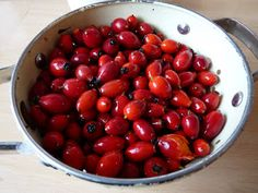 Sew Recycled: I am so hip with my syrup! Rosehip Syrup, the tutorial!