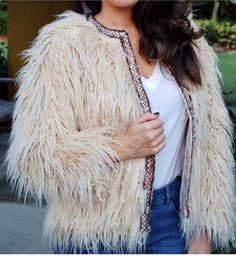 NWT ZARA Ecru Textured Jacket with Strip Faux Fur Size L Ref.2753/230 #ZARA #BasicCoat #Casual