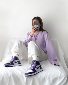 Indie Outfits, Fall Fashion Outfits, Cute Casual Outfits, Jordan Shoes Girls, Jordan Outfits, Mode Emo, Skater Girl Outfits, Purple Outfits, Herren Outfit