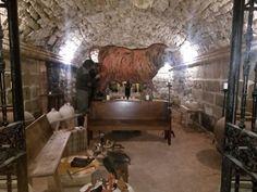 La bodega en la cueva de Monjardin