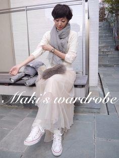 Sheer skirt, light cashmere and fur Tokyo Fashion, Love Fashion, Runway Fashion, Fashion Show, Womens Fashion, Fashion Tips, Fashion Trends, Fashion Ideas, Tokyo Street Style