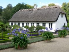 Dronning Louises Tehus / Tea Saloon, Bernstoff Park, Gentofte (just outside Copenhagen)