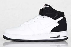 NIKE AIR FORCE 1 MID (BLACK HEELS) - Sneaker Freaker