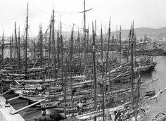 "portolanos: ""Piraeus port,1926. "" Rare Photos, Old Photos, Vintage Photos, Athens, Railroad Tracks, City Photo, Nautical, Greece, Boat"