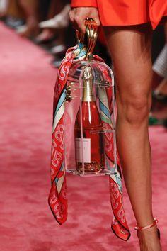 Brandon Maxwell Spring Summer 2019 Ready To Wear-ready Woman Vogue Runway Bag Trend – Read … Lux Fashion, Vogue Fashion, Fashion Details, Fashion Boots, Fashion Show, Fashion Spring, Fasion, Fashion Black, Fashion Ideas