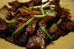 Korean BBQ Beef with rice Korean Bbq Beef, Korean Food, Asian Recipes, Beef Recipes, Healthy Recipes, Incredible Edibles, Sushi, Pork Dishes, Yummy Food