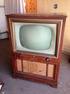 1950's Vintage Sylvania TV set