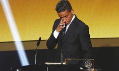 Wendell Lira vence o Prêmio Puskas de 2015 - Jornal O Globo