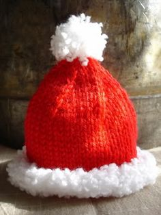 Free Pattern: Easy, Quick Preemie Christmas Hat