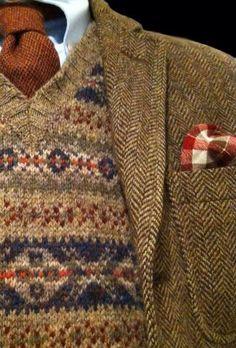 tweed is officially back.fall is on our minds Brown tweed and fairisle Tweed Run, Paris Mode, Estilo Fashion, Inspiration Mode, Fair Isle Knitting, Harris Tweed, Sharp Dressed Man, Looks Vintage, Gentleman Style