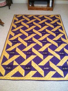 This was a custom order and I am willing to make another or similiar item. The center of the purple star was a Crown Royal square that was cut out. ♌ Maybe I mite. Try this patteren Crown Royal Quilt, Crown Royal Bags, Royal Crowns, Quilting Projects, Quilting Designs, Sewing Projects, Quilting Ideas, Sewing Tips, Royal Pattern