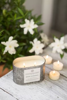 Heritage Collection White Gardenia Candle - The opulent scents of tiare petals and coconut milk transport us to blooming flower gardens at dusk – filled with jasmine, orange flower, and gardenia.