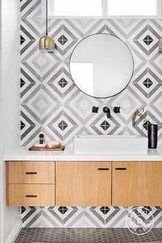 Homepolish designer Rosa Beltran gives this California home a major mediterranean overhaul. Wall Tiles Design, Bathroom Tile Designs, Bathroom Interior Design, Bathroom Ideas, Bathroom Wall Tiles, Bathroom Inspo, Washroom, Minimalist Toilets, Small Bathroom Sinks