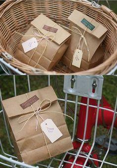 ideas craft paper packaging ideas gift bags for 2019 - Geschenktüten Bakery Packaging, Cookie Packaging, Soap Packaging, Packaging Ideas, Paper Gift Bags, Paper Gifts, Paper Bag Gift Wrapping, Diy Paper Bag, Brown Paper Wrapping