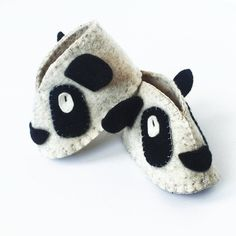 PANDA LOVE   Fair trade baby slippers handmade and hand stitched using traditional methods. 100% felted wool.  #fairtrade #ethicalfashion #sustainability #empowerment #naturalbaby #ecobaby #panda #babyslippers #animallovers #purchasewithpurpose #cute #trending #musthave Re-post by Hold With Hope