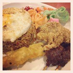 Nasi goreng rainbow cafe grand angkasa #kuliner #medan