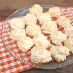 Zobrazit Kokosové pusinky receptů Krispie Treats, Rice Krispies, Cauliflower, Cereal, Cookies, Vegetables, Breakfast, Crack Crackers, Morning Coffee