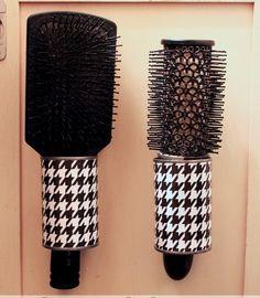 af4583f427 Re-utilizando una lata metálica para cepillo para pelo.