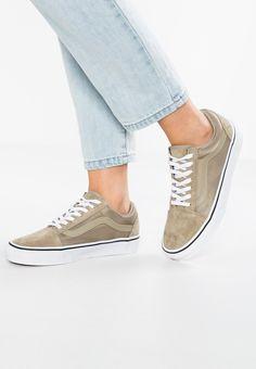 f050a2d3341957 25 Best Vans(Casual Shoes) Black Friday Sale images