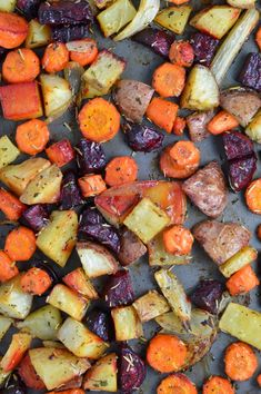 This Roasted Potatoes, Carrots and Beets recipe is the perfect way to roast your root vegetables. Seasoned with balsamic vinegar and rosemary. Roasted Beets Recipe, Roasted Potatoes And Carrots, Roasted Root Vegetables, Rosemary Potatoes, Seasoned Potatoes, Grilled Veggies, Healthy Vegetables, Vegetable Recipes, Vegetarian Recipes