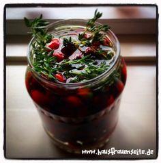 Hagebutten-Essig - Rezept Rezept oder Anleitung, wie man Hagebuttenessig ansetzt vegetarisch vegan laktosefrei glutenfrei