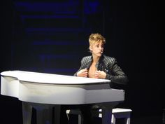 Justin Bieber on piano Justin Bieber Believe, Justin Bieber News, All About Justin Bieber, Justin Bieber Pictures, Justin Photos, Believe Tour, Lonely Girl, I Luv U, Favorite Person