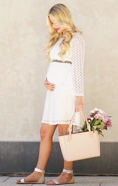 @katelynpjones showing us her cute maternity style in this spring must-have!