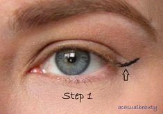 Eyeliner For Hooded Eyes, Easy Winged Eyeliner, Simple Eyeliner, Hooded Eye Makeup, How To Apply Eyeliner, Winged Liner, Eye Makeup Tips, Eyeliner Waterline, Hooded Eyelids