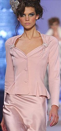 Christian Dior By Galliano , Fashion Show details