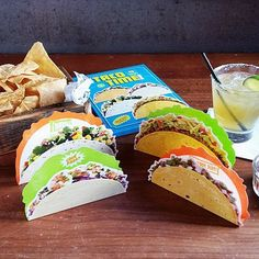Taco Time Notecards and more Popular Gift Ideas at Perpetual Kid. Our Taco Time NoteCards are nacho ordinary stationery! Quirky Gifts, Unique Gifts, Cool Desk Accessories, Cute Office Supplies, Taco Time, Holy Guacamole, Shrimp Tacos, Taco Tuesday, Gifts For Coworkers