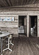 my scandinavian home: A striking Danish log cabin Wooden Summer House, Modern Log Cabins, Eco Cabin, Inside A House, Style Rustique, Bungalow House Design, Lodge Style, Gray Interior, Interior Design