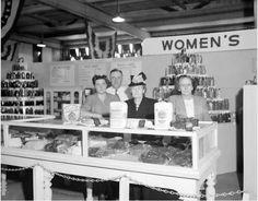 General Mills cake exhibit, North Carolina State Fair, 1947 ^cs