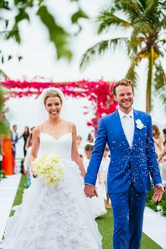 Casamento na praia | Roupa dos noivos | Noiva | Noivo | Vestido