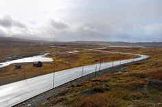 Crossing the Hardangevidda mountain plateau on one of the Norwegian National Tourist Routes. Photo by Hege Lysholm