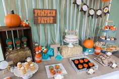 Rustic Little Pumpkin Baby Shower – orange, burlap, lace and aqua Source by Best Kadın Baby Shower Gender Reveal, Baby Shower Themes, Baby Boy Shower, Baby Shower Decorations, Baby Shower Gifts, Shower Ideas, Baby Shower Fall Theme, Diaper Shower, Table Decorations