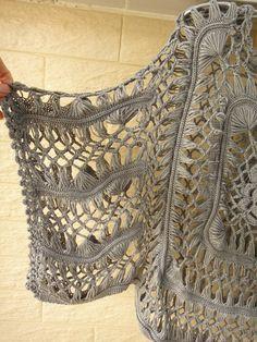 Handmade Crochet Kimono Sleeve Crop Tops por Tinacrochetstudio