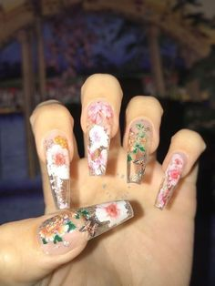 The Dried Flower Nail Art Designs can be created on fingernails of any appearance and width, and can be adapted to any blush combination and any textural flower pattern. Dried Flower Nail Art Designs is the best acceptable, because flowers are the s Nail Design Stiletto, Nail Design Glitter, Best Acrylic Nails, Acrylic Nail Designs, Nail Art Designs, Flower Designs For Nails, Aycrlic Nails, Cute Nails, Hair And Nails