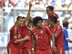 """Durch zwei Tore binnen drei Minuten hat der FC Bayern sein laut Trainer Heynckes """"schwerstes Saisonspiel bis dato"""" gewonnen."""