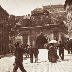 Old Photos, Vintage Photos, Old Photography, Budapest Hungary, Historical Photos, Time Travel, Places To Go, The Past, Techno