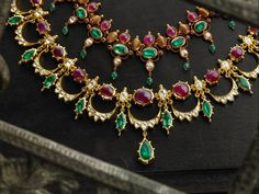 Yet another elegant pattern with rubies and emeralds