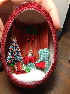 More Belated Christmas - Diorama Ornaments & Tutorial (Kendra's Minis)