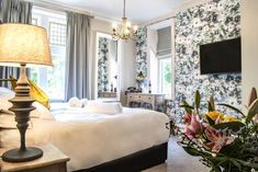 The beautifully restored Fleece Hotel provides quality accommodation in the heart of the pretty market town of Richmond. Rooms are high spec and the Yorkshire-focused menus in the café, bar and restaurant inspired. In The Heart, Yorkshire, Oversized Mirror, Restoration, England, Rooms, Restaurant, Bar, Inspired