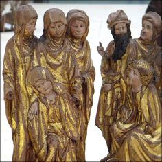 colored, late-medieval sculptures, made around 1500 in  Northern Europe. Expressive and intimate (YIP2)