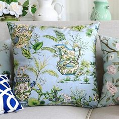 Hamptons House, The Hamptons, Home Furniture, Dining Room, Throw Pillows, Bed, Toss Pillows, Home Goods Furniture, Cushions